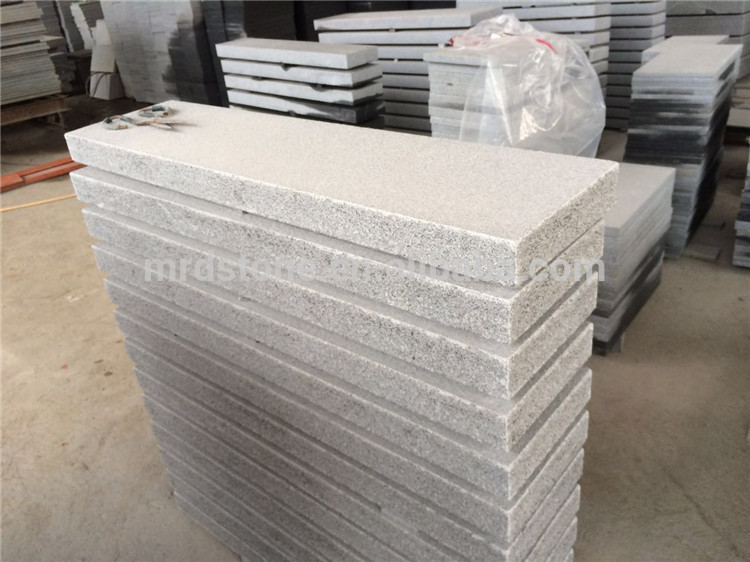 Chinese high quality light grey granite flamed kerbstone for garden