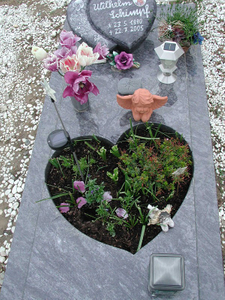 Custom Designs Europe Style Natural Granite Cemetery Grave Stones