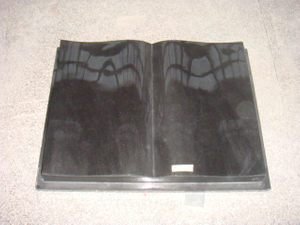 Black Granite European Style Book Type Monument (MRD2060)
