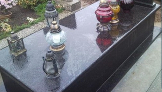 European Style Polished Granite Monument Tombstone of Black Galaxy