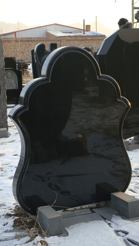 Absolut Black Grantie Headstone of Russia Style with Favorable Price